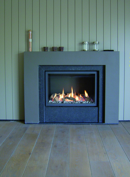 Chimenea a Gas Bodart&Gonay Argos In Fire instalación en piedra azul
