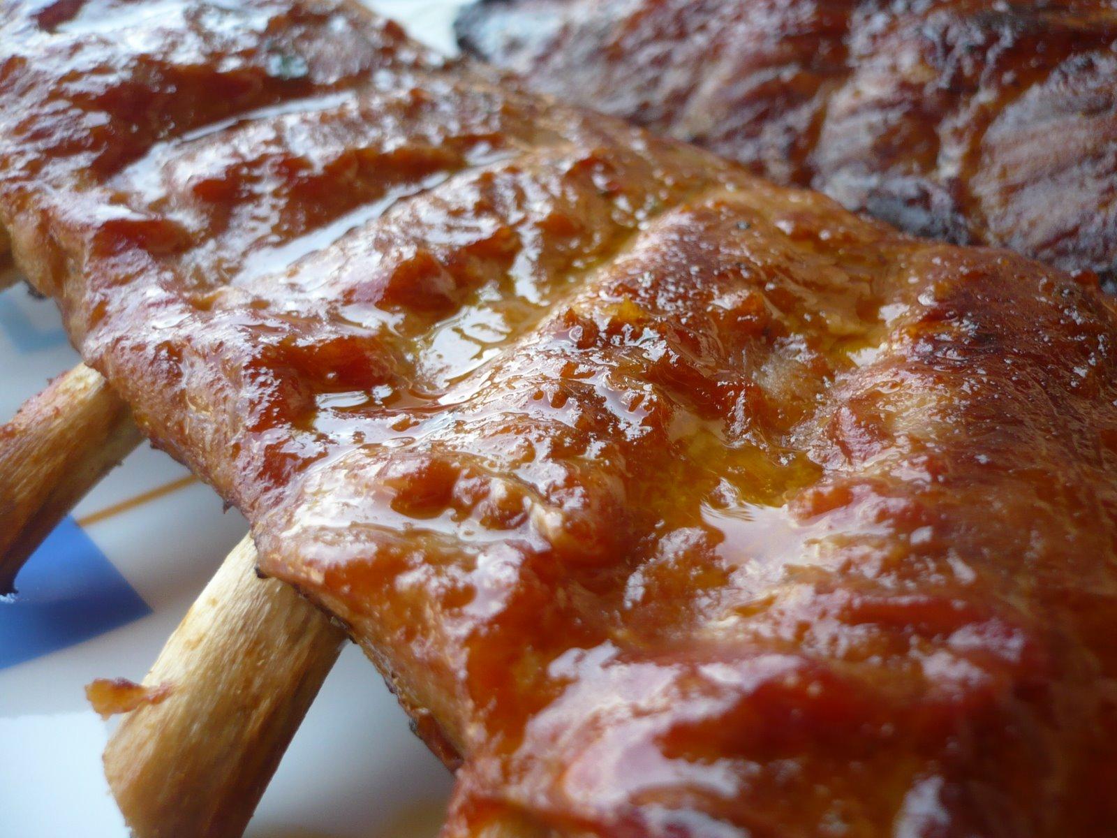 La salsa barbacoa - Costillas asadas