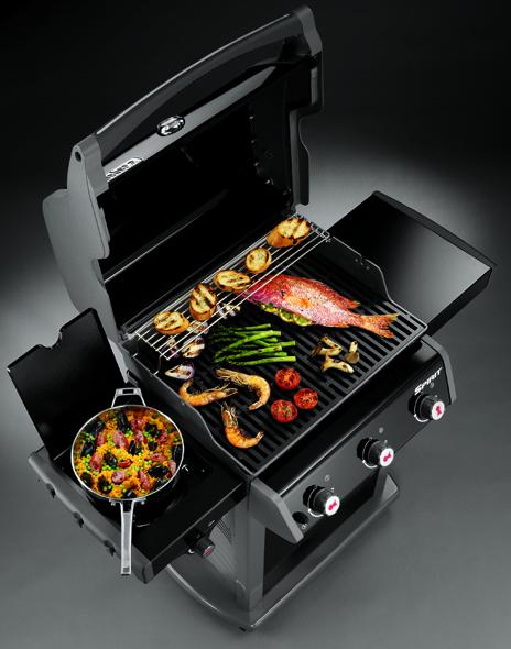 Barbacoa Weber Gas Spirit Premium E-320 cocinando para disfrutar