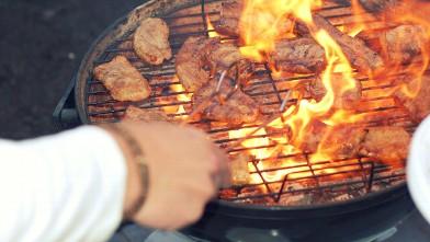 Barbacoa preguntas frecuentes - a evitar, comida cocinandose con llama directa