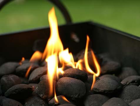 hacer una buena barbacoa se comienza encendiendo el fuego