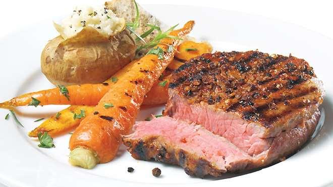 al dar sabor ahumado a la carne queda mas apetitosa