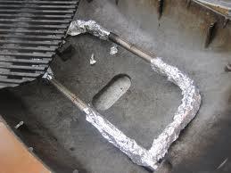 Proteger los quemadores con papel de aluminio a la hora de mantener limpia la barbacoa