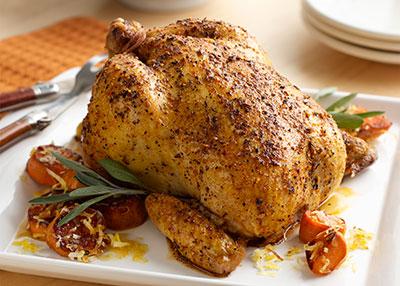 El sazonado es primordial para Cocinar un pollo entero en la barbacoa