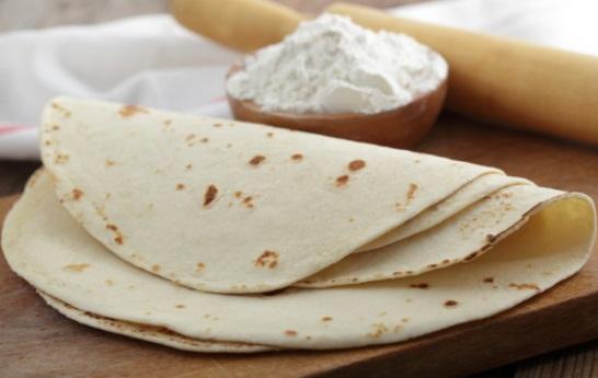 Hacer tortillas mexicanas, otra forma de Utilizar la barbacoa para hacer pan