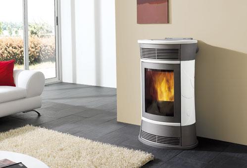 Estufa de pellet como ejemplo de sistemas de calefacción por biomasa