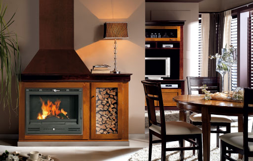 Casete Ferlux 750 Fundicion instalada con leñera incorporada