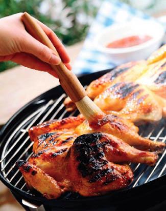 Receta de salsa barbacoa embadurnar pollo a la parrilla