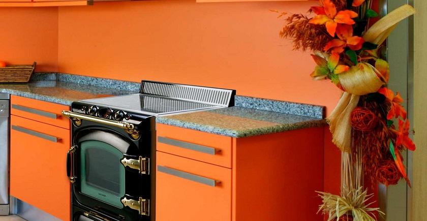 Cocina Lacunza Century Gas Negro empotrada en mueble modular